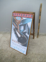 Advertising banner for electro