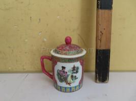 Mug with a Chinese motif