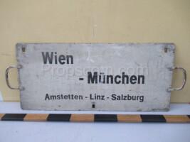 information sign: Vien - München
