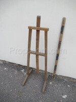 easel for paintings lower