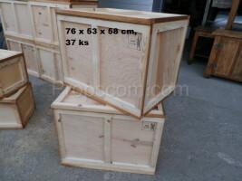 Medium wooden box
