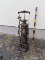 Old lubricator