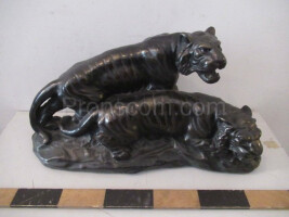 Statuette of the Tigers pottery