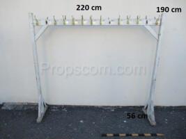 Free-standing hanger white