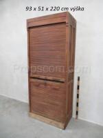 Registration cabinet with roller shutter