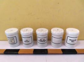 Small porcelain jars